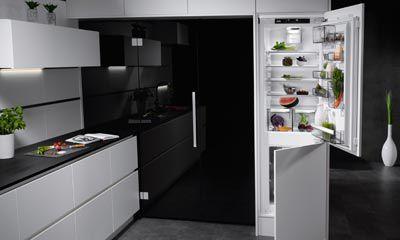 Kühlschrank Kombination : Aeg kühlschrank mit customflex elektrogeräte im raum