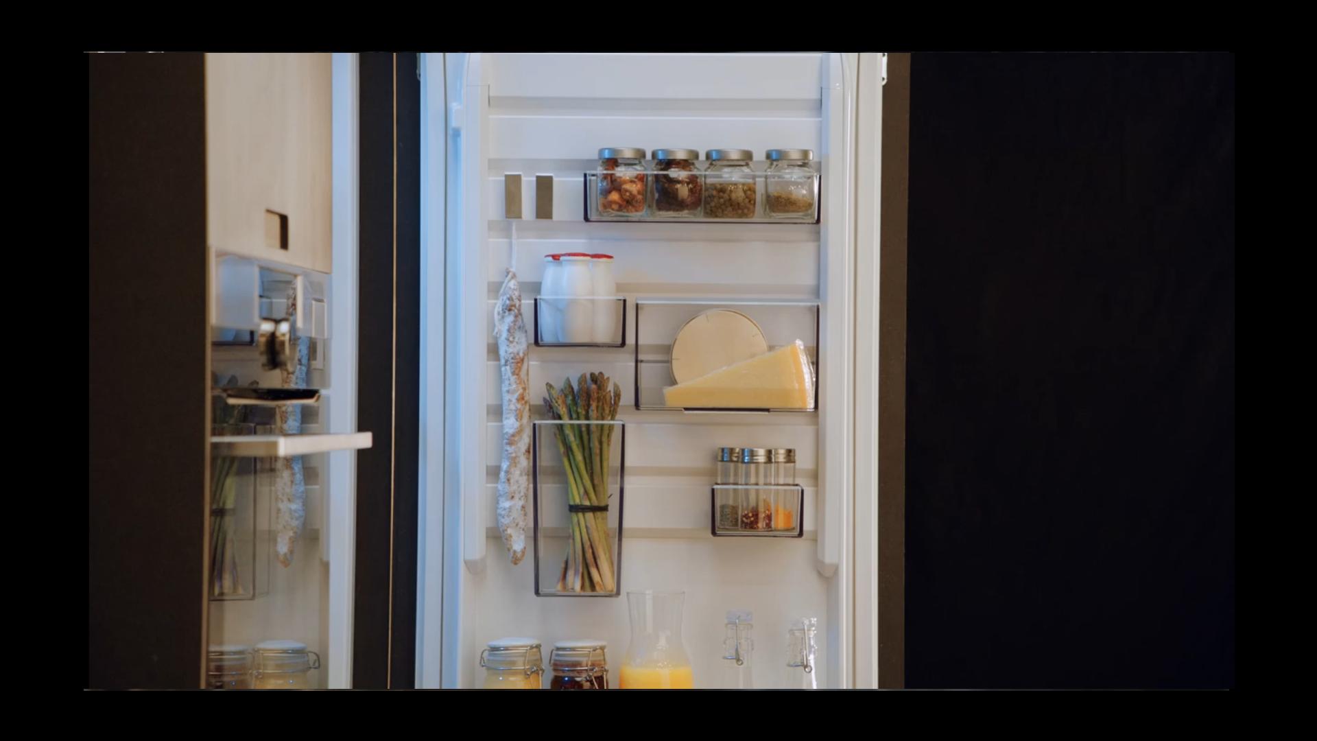 Aeg Customflex Kühlschrank : Aeg kühlschrank mit customflex elektrogeräte im raum